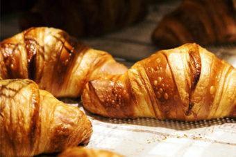 zelfgemaakte croissants Robin French Bakery